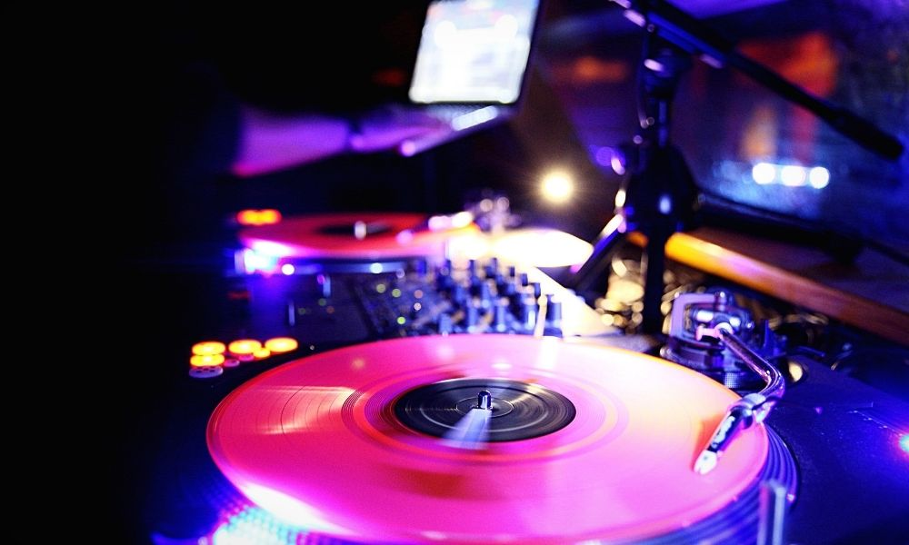How To Soundproof a Nightclub: Everything You Need To Know